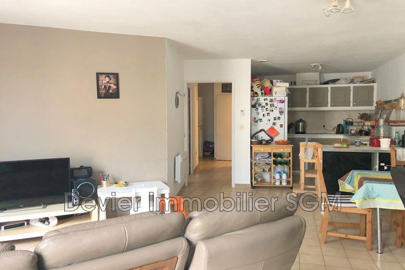 Appartement Castries Castries,  Location appartement  4 pièces   84m²