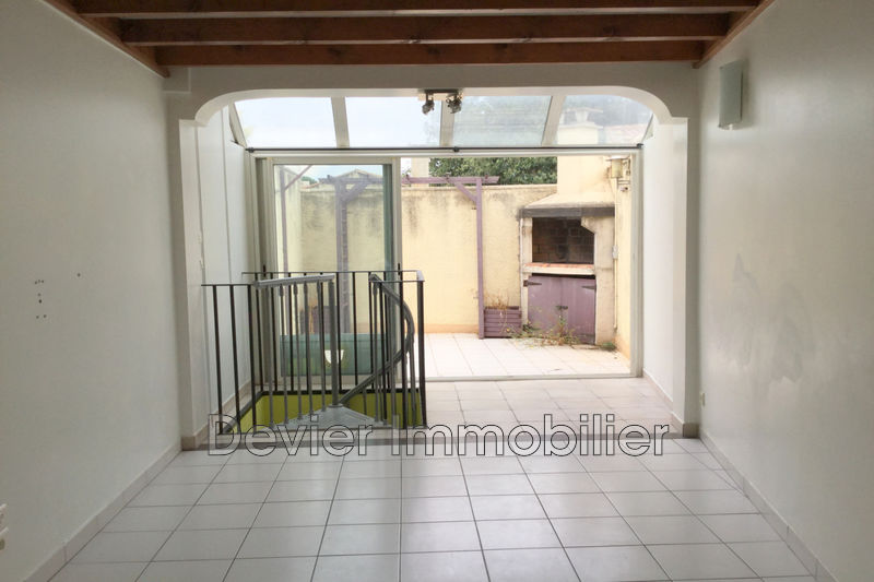 Appartement Saint-Brès Centre-ville,  Location appartement  3 pièces   58m²