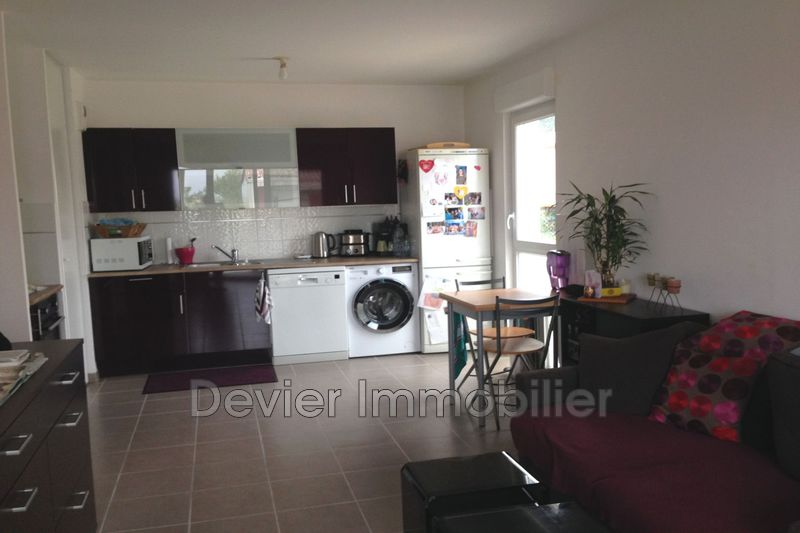 Appartement Castries Castries,  Location appartement  3 pièces   61m²