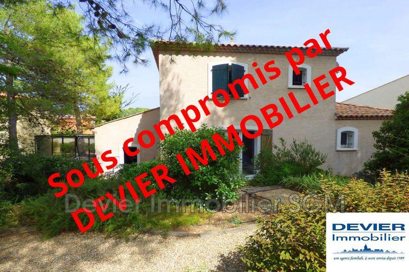 Villa Saint-Geniès-des-Mourgues   achat villa  3 chambres   130m²