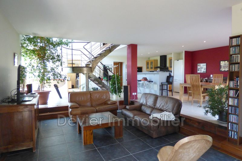 Photo Villa Castries   achat villa  6 chambres   240m²