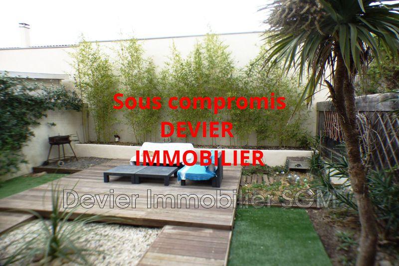 Villa Saint-Geniès-des-Mourgues   achat villa  3 chambres   90m²