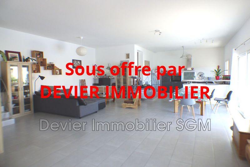 Villa Saint-Geniès-des-Mourgues   achat villa  3 chambres   115m²