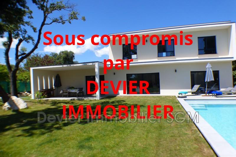 Maison contemporaine Saint-Geniès-des-Mourgues   achat maison contemporaine  4 chambres   135m²