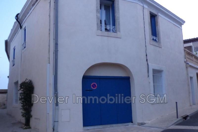Maison de village Saint-Geniès-des-Mourgues   achat maison de village  3 chambres   102m²