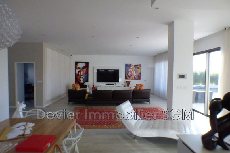 Maison contemporaine Montpellier   achat maison contemporaine  4 chambres   207m²