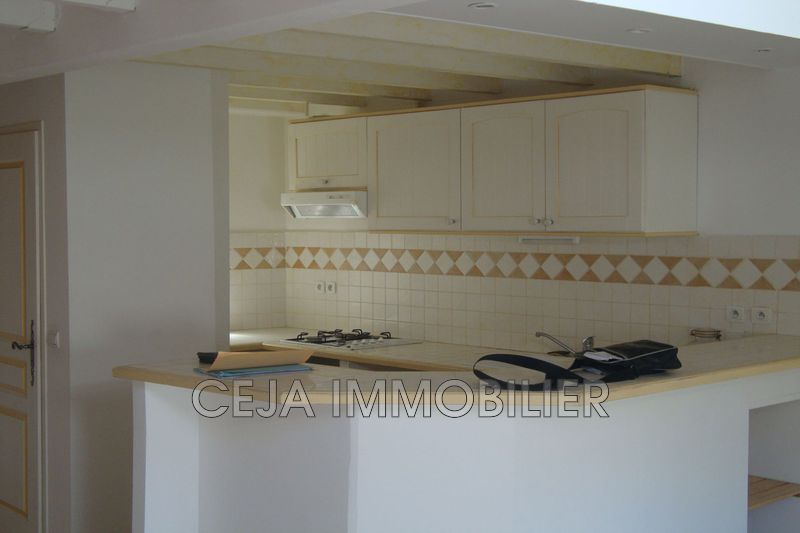 Photo Appartement Draguignan Centre-ville,  Location appartement  2 pièces   46 m²