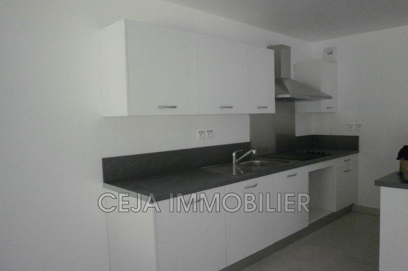 Appartement Saint-Raphaël Proche plages,  Location appartement  4 pièces   80m²