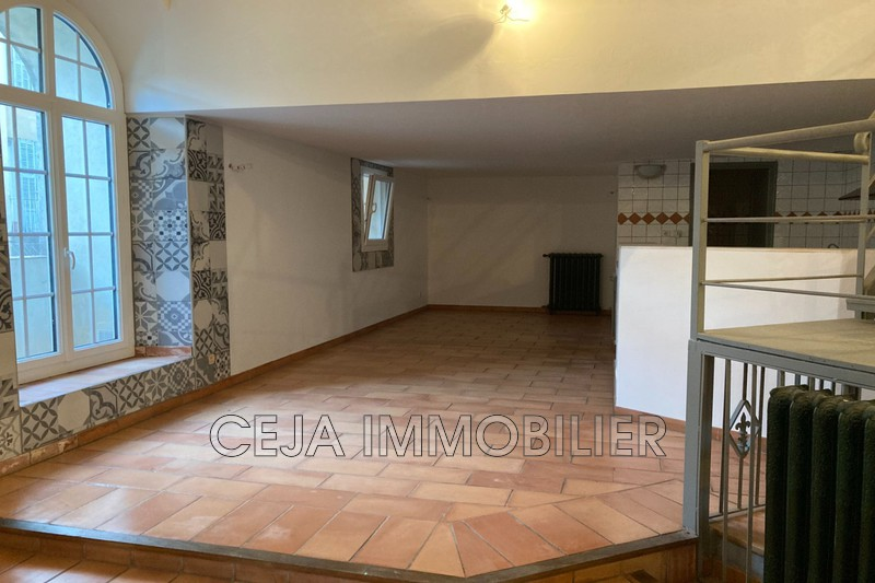 Photo Appartement Draguignan Centre-ville,   achat appartement  3 pièces   162 m²