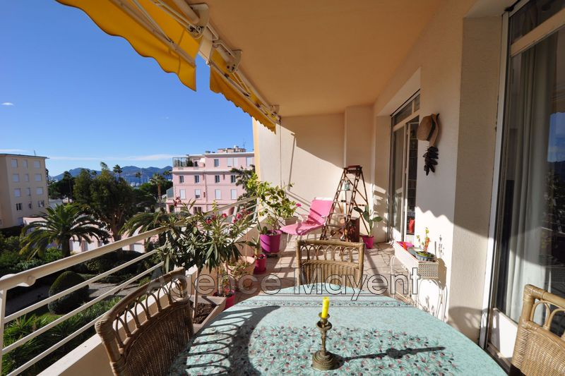 Photo Apartment Cannes Palm beach,   to buy apartment  2 rooms   65 m²