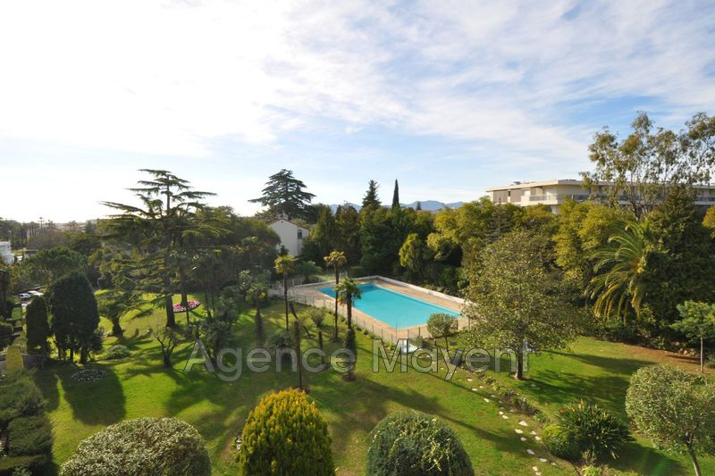 Photo Apartment Cannes Montrose,   to buy apartment  3 rooms   84 m²