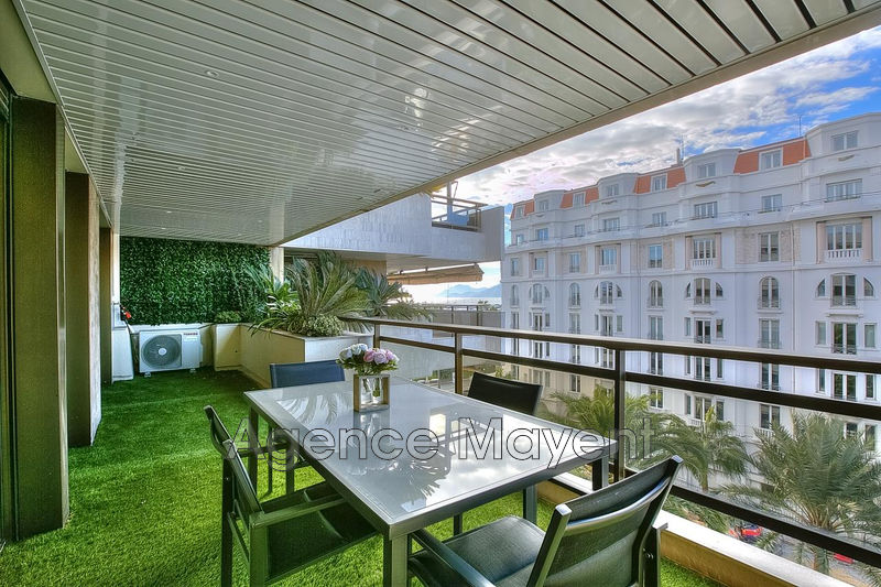 Photo Apartment Cannes Centre-ville,   to buy apartment  3 rooms   67 m²