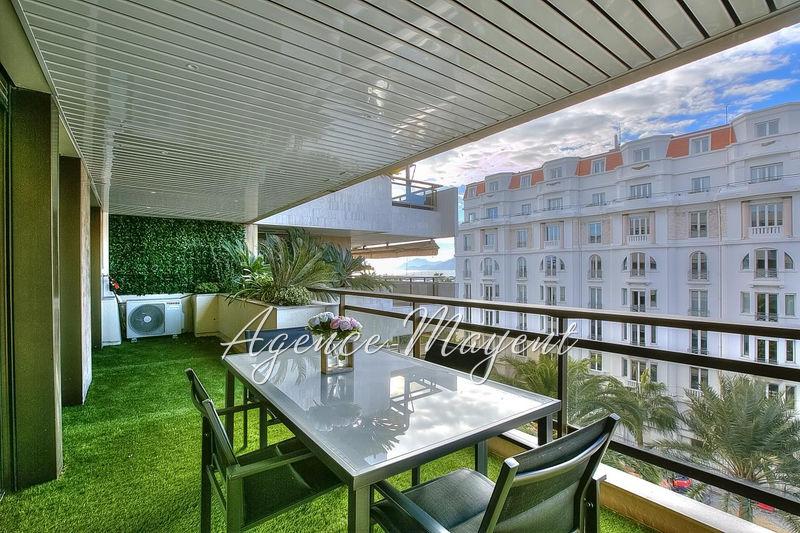 Photo Appartement Cannes Centre-ville,   achat appartement  3 pièces   67m²
