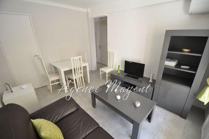 Photo Appartement Cannes Centre-ville,   achat appartement  3 pièces   50m²