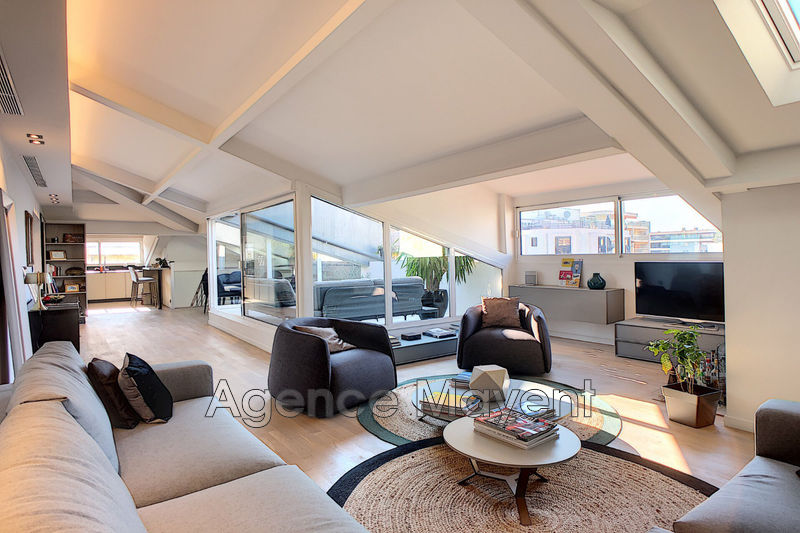 Photo Apartment Cannes Centre-ville,   to buy apartment  5 rooms   145 m²