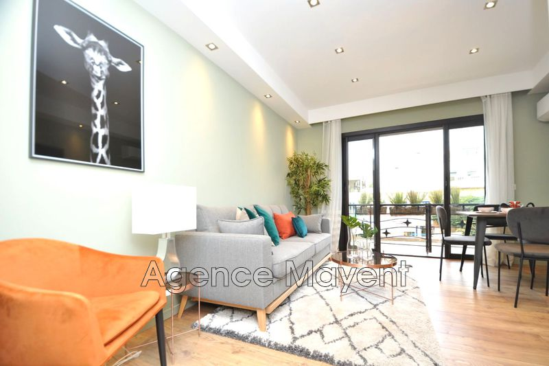 Photo Apartment Cannes Centre-ville,   to buy apartment  1 room   27 m²