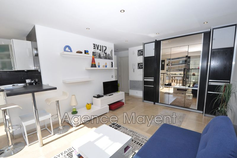 Photo n°2 - Vente appartement Cannes 06400 - 235 000 €