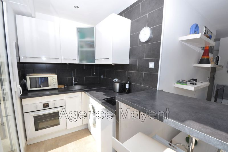 Photo n°3 - Vente appartement Cannes 06400 - 235 000 €