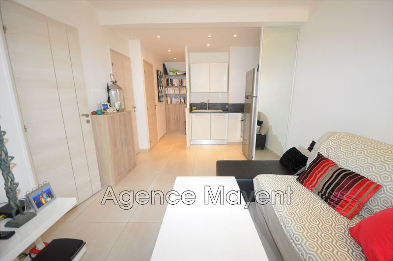 Photo Apartment Cannes Centre-ville,   to buy apartment  2 room   39 m²