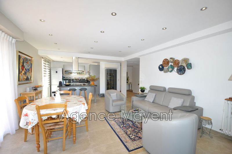 Photo Apartment Cannes Basse californie,   to buy apartment  2 rooms   64 m²