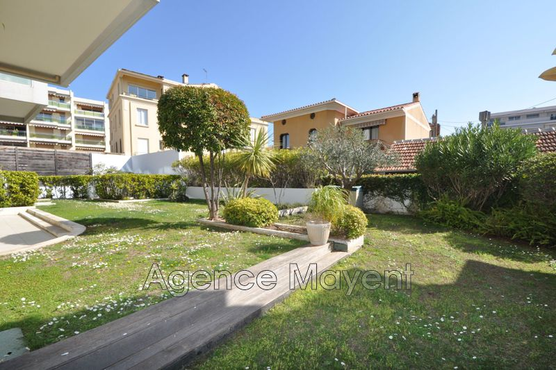 Photo Apartment Cannes Palm beach,   to buy apartment  4 rooms   115 m²