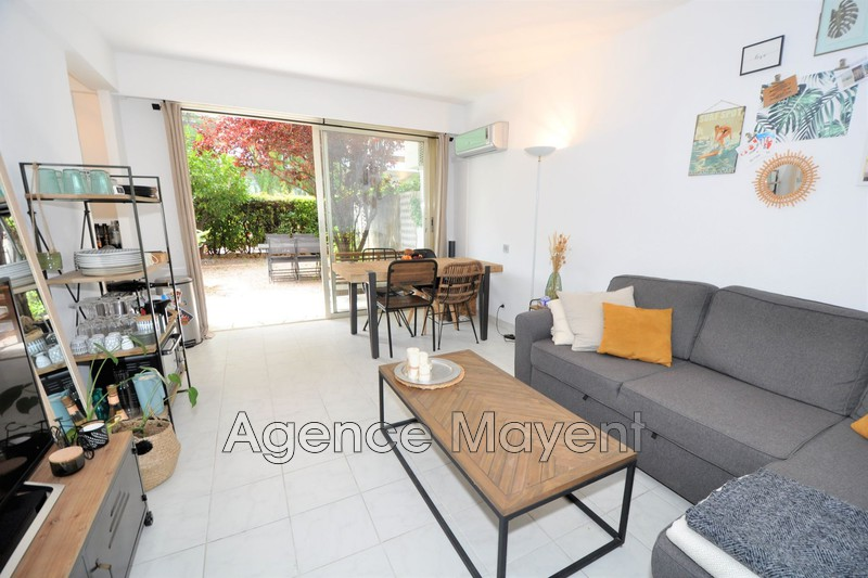 Photo Apartment Cannes Palm beach,   to buy apartment  2 rooms   32 m²