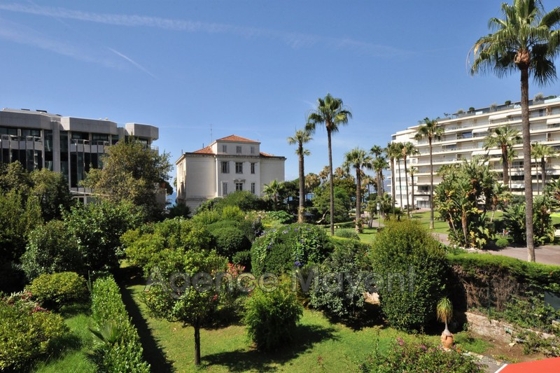 Photo Apartment Cannes Centre-ville,   to buy apartment  4 rooms   160 m²
