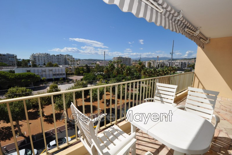 Photo Apartment Cannes Palm beach,   to buy apartment  2 rooms   51 m²
