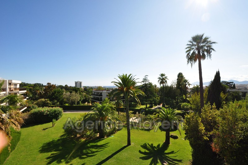Photo Apartment Cannes Montrose,   to buy apartment  3 rooms   84m²