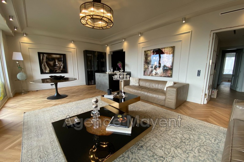 Photo Apartment Cannes Centre-ville,   to buy apartment  5 rooms   143 m²