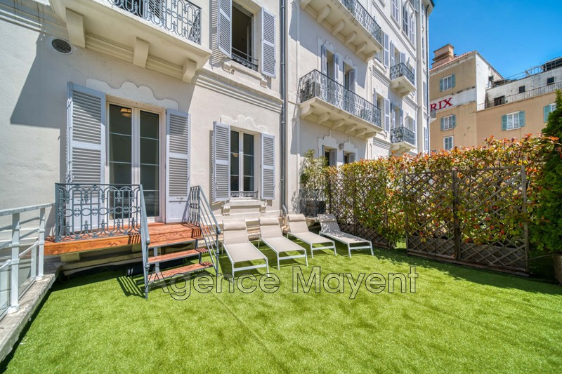 Photo Apartment Cannes Centre-ville,   to buy apartment  6 rooms   145 m²