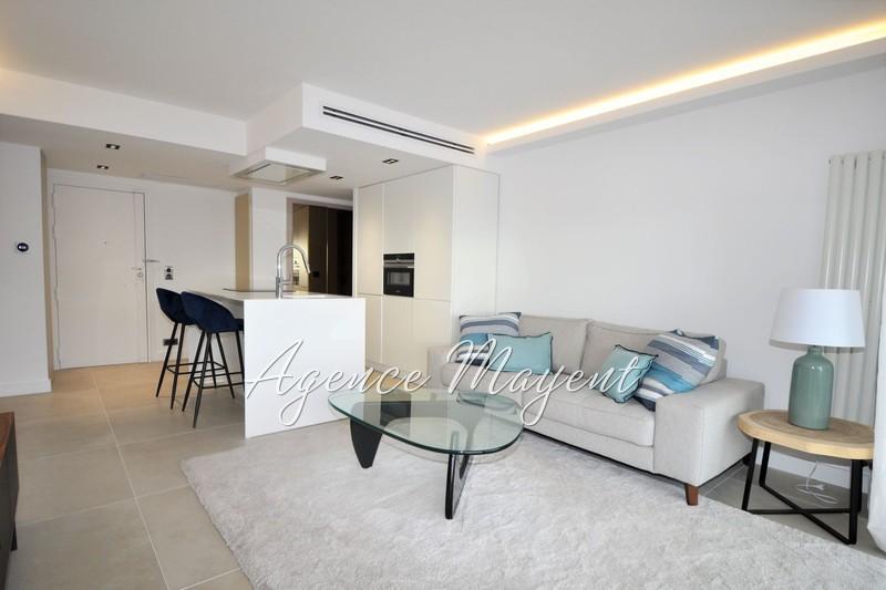 Photo Apartment Cannes Centre-ville,   to buy apartment  3 rooms   57m²