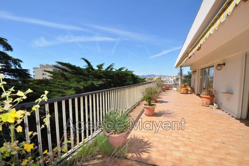 Photo Apartment Cannes Montrose,   to buy apartment  5 rooms   140 m²