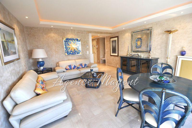 Photo Appartement Cannes Centre-ville,   achat appartement  3 pièces   77m²