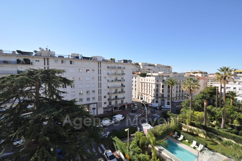 Photo Apartment Cannes Centre-ville,   to buy apartment  3 rooms   73 m²