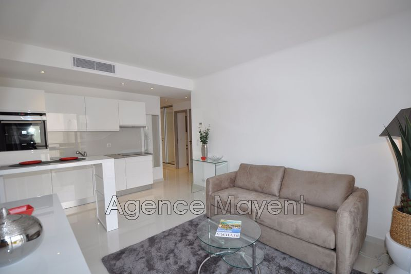 Photo Apartment Cannes Centre-ville,   to buy apartment  3 rooms   48 m²