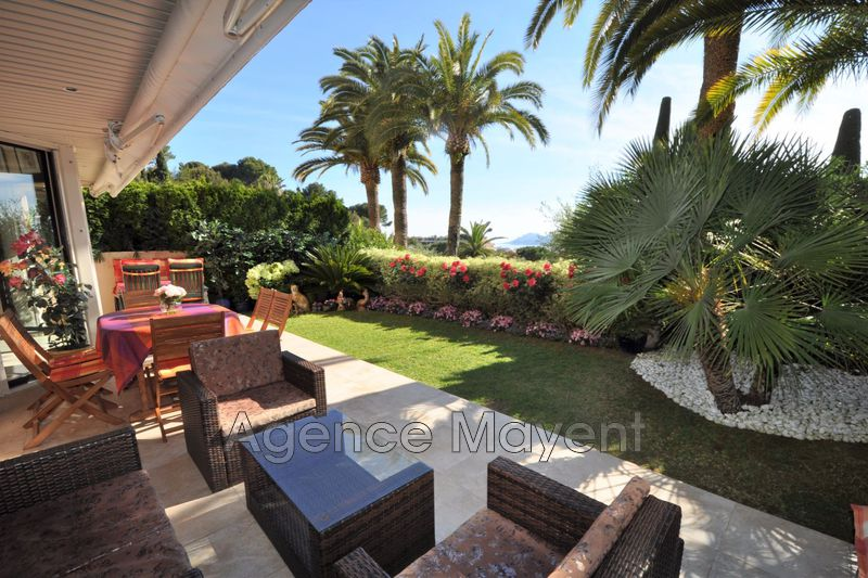 Photo Apartment Cannes Oxford,   to buy apartment  2 rooms   74 m²