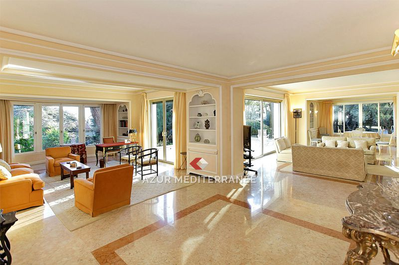 Photo Villa Saint-Jean-Cap-Ferrat Proche plages,  Vacation rental villa  5 bedrooms   300 m²