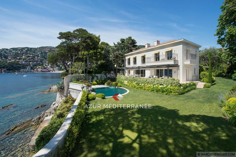 Photo Villa Saint-Jean-Cap-Ferrat Front de mer,  Vacation rental villa  5 bedrooms   350 m²