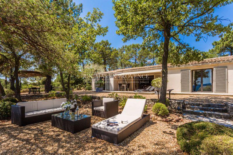 Location saisonnière maison de campagne Roussillon  Villa Roussillon Luberon,  Location saisonnière villa  4 bedrooms   200m²