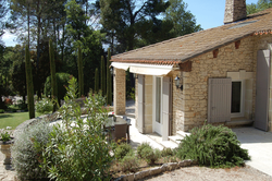 Location saisonnière villa provençale Ménerbes terrasse-table