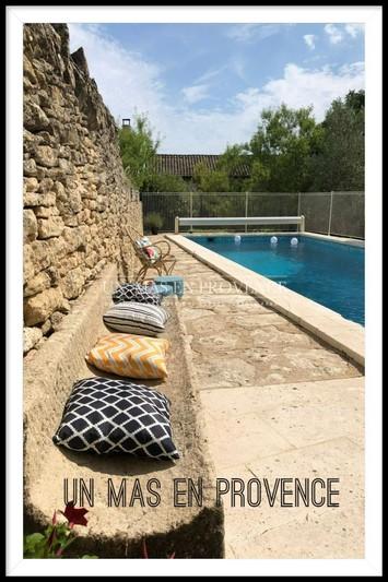 Location saisonnière maison en pierre Cabrières-d'Avignon  Maison en pierre Cabrières-d'Avignon Luberon,  Location saisonnière maison en pierre  5 chambres   250m²