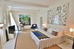 Vente propriété Roussillon La chambre 3
