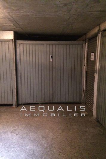 Photo Garage Saint-Laurent-du-Var Bas plateaux fleuris,  Rentals garage