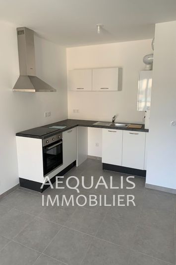 Apartment Saint-Laurent-du-Var Centre-ville,  Rentals apartment  2 rooms   39 m²