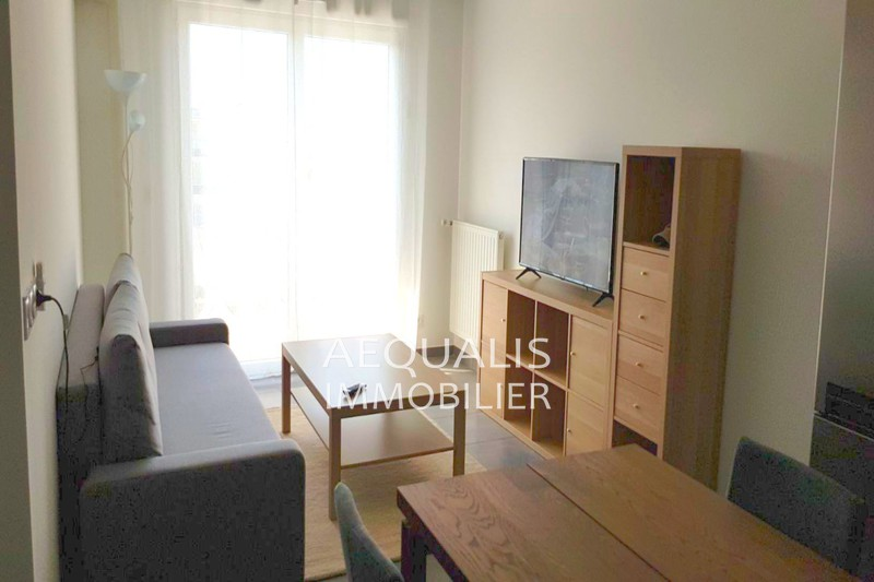 Photo Appartement Saint-Laurent-du-Var Centre-ville,  Location appartement  2 pièces   38 m²
