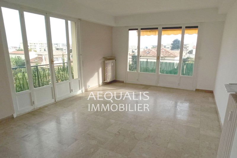 Appartement Saint-Laurent-du-Var Centre-ville,  Location appartement  3 pièces   72 m²