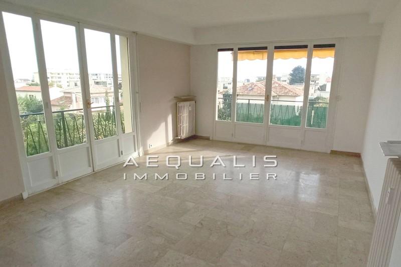 Appartement Saint-Laurent-du-Var Centre-ville,  Location appartement  3 pièces   72m²