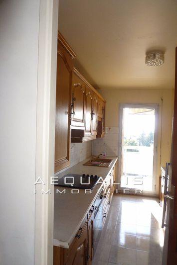 Photo n°6 - Vente appartement Saint-Laurent-du-Var 06700 - 309 000 €