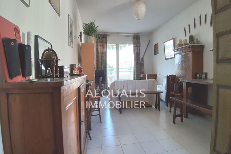 Photo Apartment Saint-Laurent-du-Var Centre-ville,   to buy apartment  4 rooms   81 m²